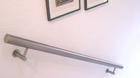 Edelstahl Handlauf, Wandhandlauf - montiert im Flur