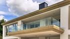 Ganzglasgeländer mit Klarglas - aufgesetzte Montage am Balkon